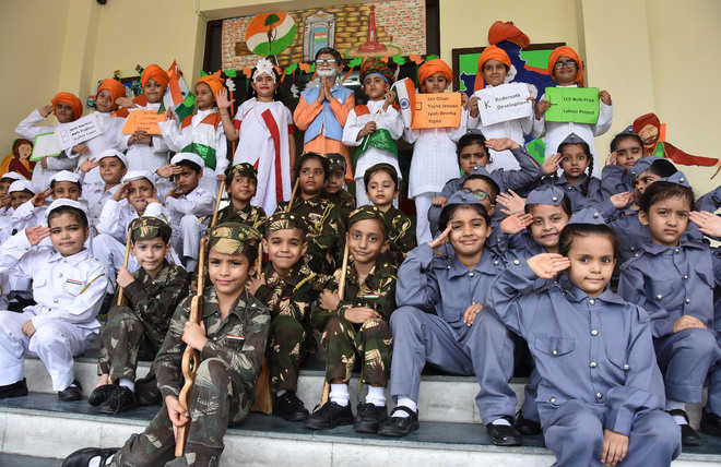 I-Day celebrated with patriotic fervour