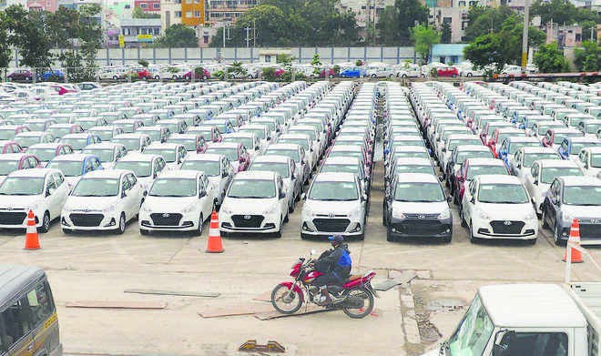 Waiting for driving force as economy runs out of gas