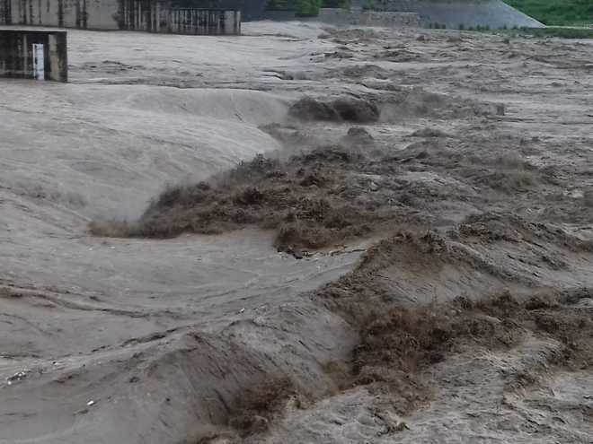 As Yamuna swells in Haryana, authorities fear flood situation in Delhi