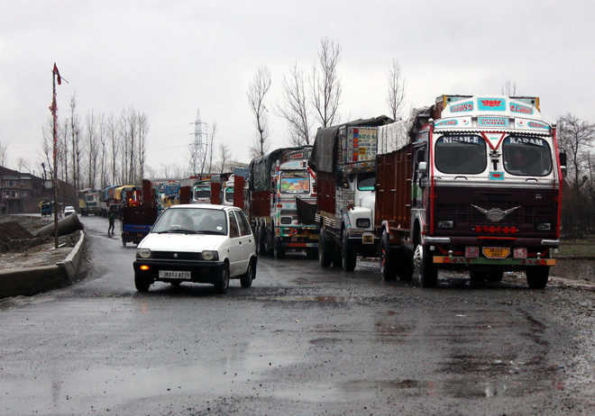 J-K highway reopened after 3-hr-long blockade due to landslide