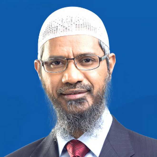 Preacher Zakir Naik apologises to Malaysians for racial remarks