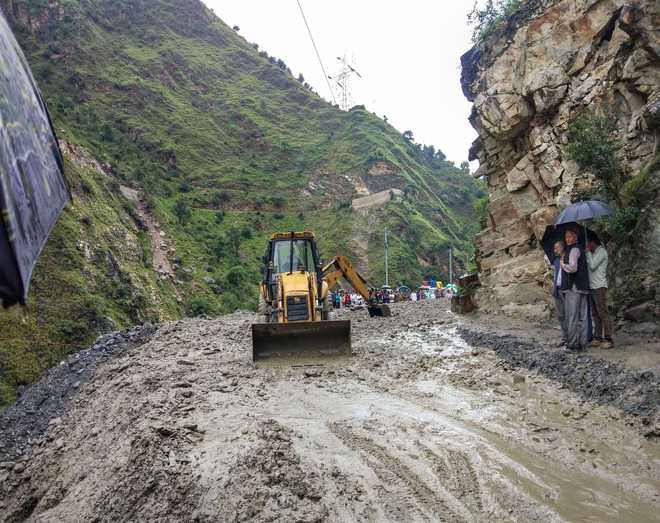 Monsoon subdued in Himachal after 3 days of heavy rain, traffic restored
