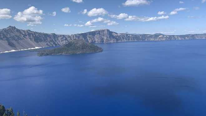 Indian student jumps from 25-foot high cliff, drowns in US lake