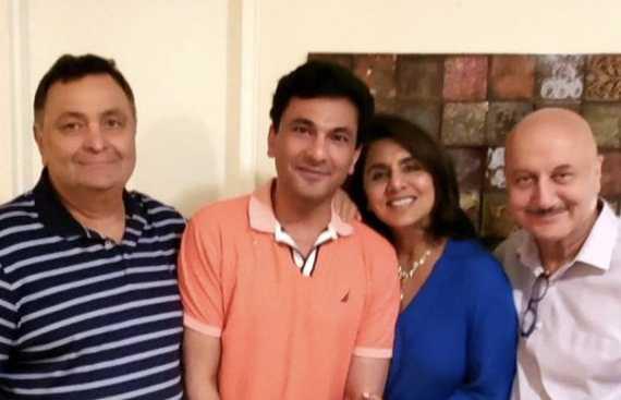 Rishi, Neetu Kapoor and Anupam Kher dine in with 'chef supreme' Vikas Khanna