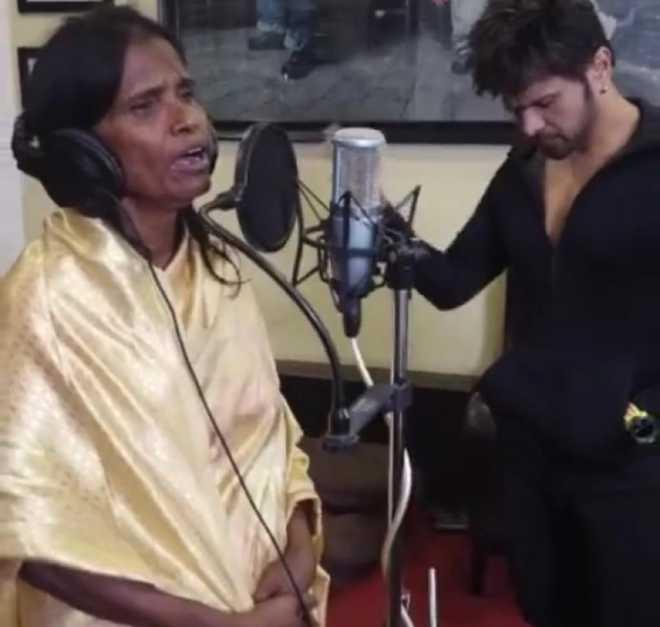 Ranu Mandol, whose rendition of Lata went viral, records for Reshammiya