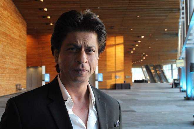 Shah Rukh Khan urges people to use postal service