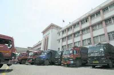 Offices witness thin attendance in Valley