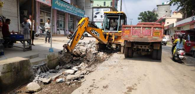 50 illegal structures demolished on Matour road