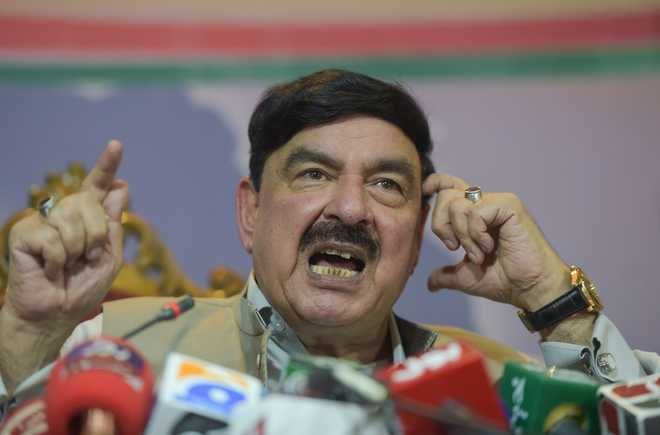 Pak minister's 'targeted smart bomb' remark triggers laugh riot