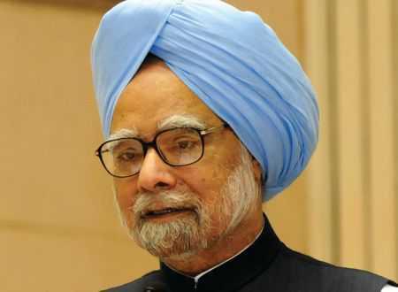 Govt rebuffs Manmohan's take on economy