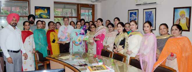 Honouring teachers' commitment