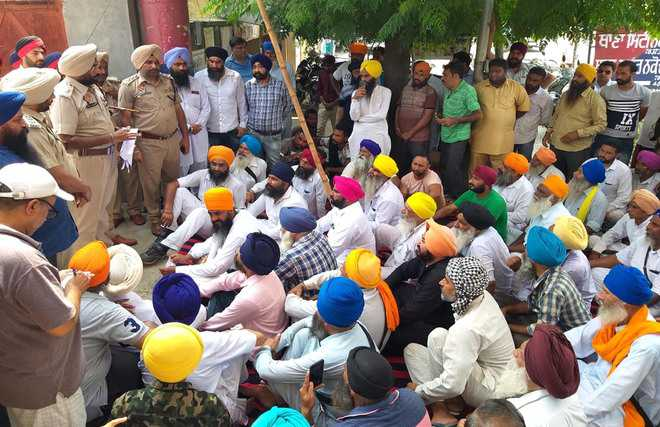 Day after, Sikh bodies want FIR against Dalit protesters