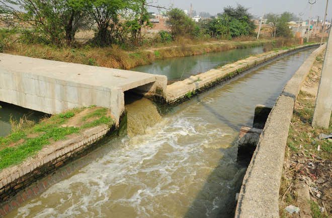 Work on laying concrete lining along sludge carrier to begin soon