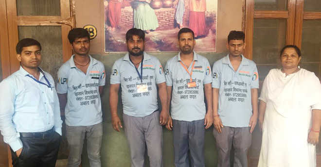 Vendors to don 'No Bill — Food is Free' T-shirts at Ambala station