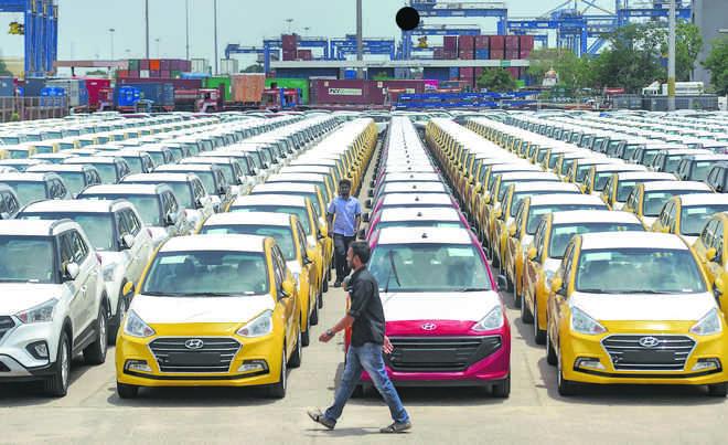 Auto sales skid again, crisis deepens