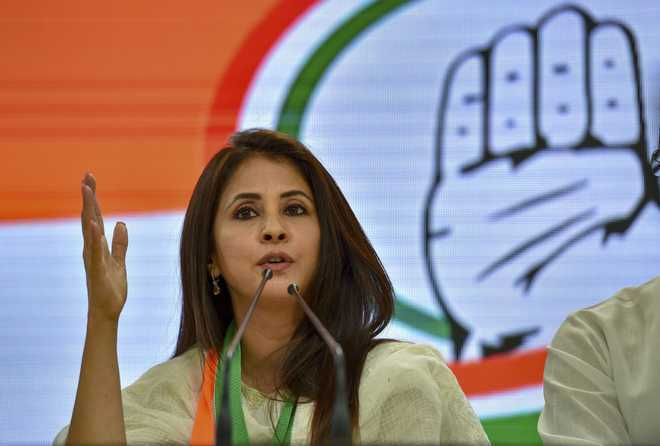 In more trouble for Congress, Kripashankar Singh, Urmila Matondkar quit party