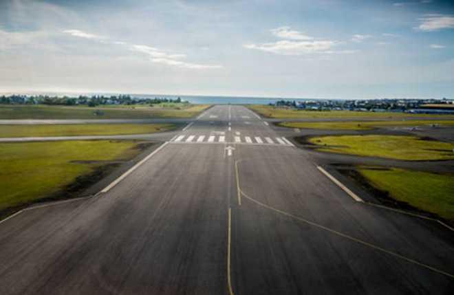 Rain damages Goa runway, Navy defends regulated shutdown