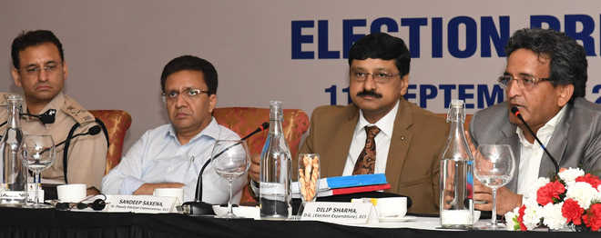 At poll meet, EC works out steps to increase voting percentage