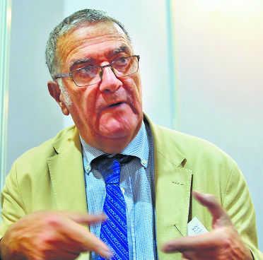 Experiments can fail, Nobel laureate on ISRO lander