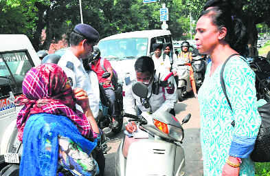 391 women take law for a ride, challaned