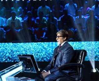 Amitabh Bachchan recalls Delhi bus rides with 'good looking college girls'
