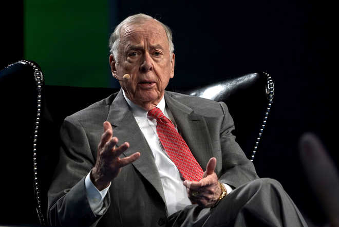 Oil tycoon T Boone Pickens dies at age 91
