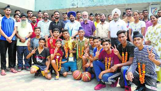 Punjab basketball team accorded warm reception