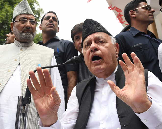 SC notice to Centre, J&K on plea for producing Farooq Abdullah