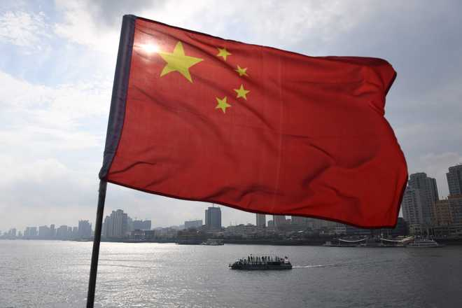 Chinese amphibious warship sighted in Indian Ocean