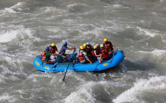 Kerala man on honeymoon killed as raft capsizes in Beas