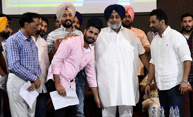 Sukhbir announces Rs 25L for gym equipment at PU