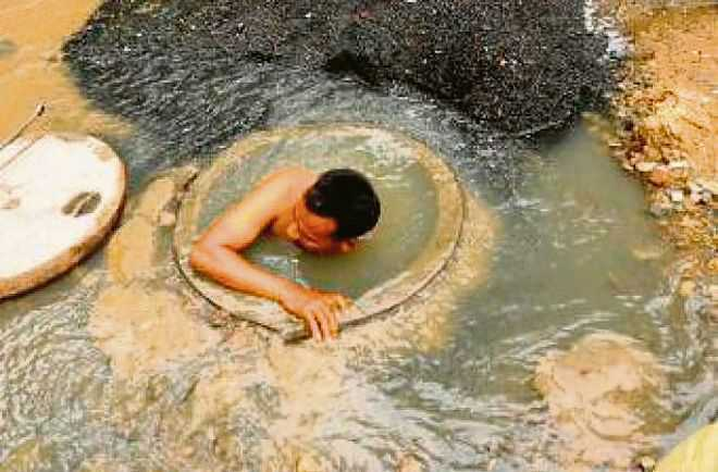 Nowhere are people sent to gas chambers to die: SC on manual scavenging