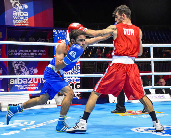 India assured of unprecedented 2 medals at world boxing