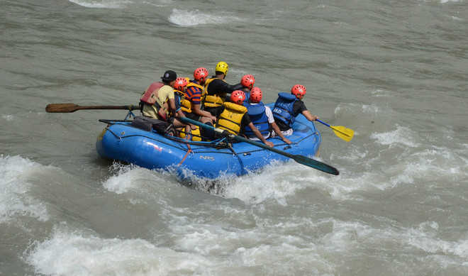 Rafting resumes, so does illegal operators' business