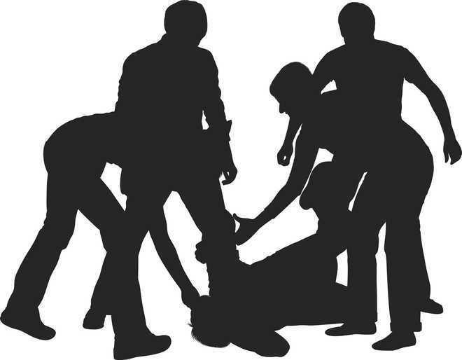 3 men thrash two cops, tear their uniforms
