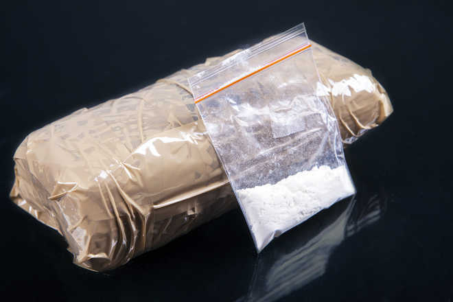 Heroin worth Rs 5 cr seized from border