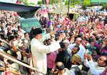 Pakistani cleric Tahirul Qadri quits politics, resigns from party