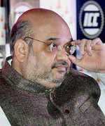 Shah bats for Hindi as common language, Cong warns of unrest