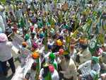 Farmers lay siege in Patiala to seek pardon for murder convict